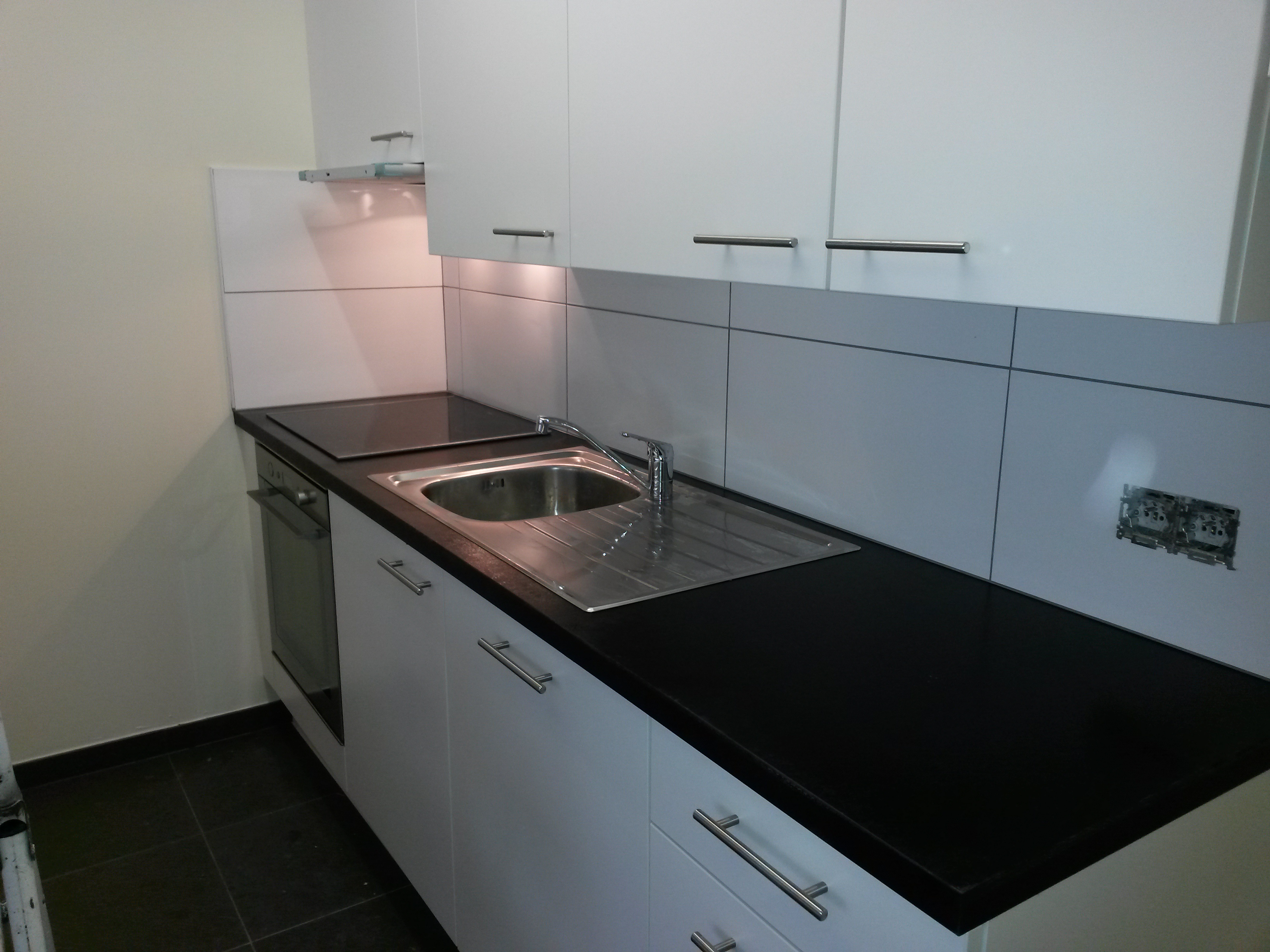 R alisation d 39 une cr dence braine l 39 alleud e r c sprl for Carrelage waterloo